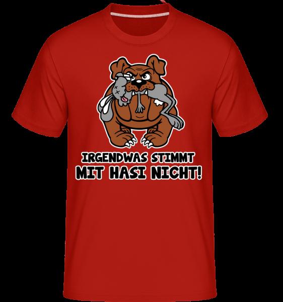 Irgendwas Stimmt Mit Hasi Nicht - Shirtinator Männer T-Shirt - Rot - Vorn